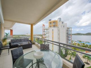 Aquamarina: Ocean & Lagoon Views Luxury Condo