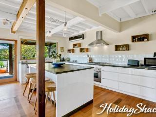 Villa Kokomo - Luxury McCrae Retreat