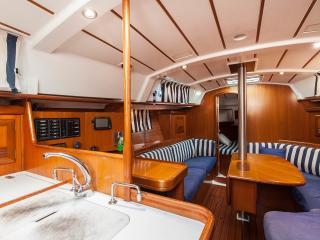 3 cabin yacht in Barcelona Port Olimpic