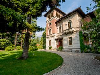 Villa stile Liberty, Mandello del Lario
