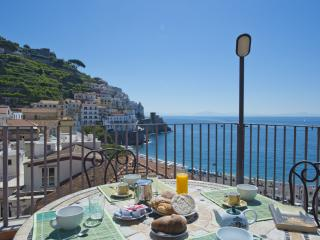 2 bedroom Apartment in Amalfi, Campania, Italy : ref 5047666