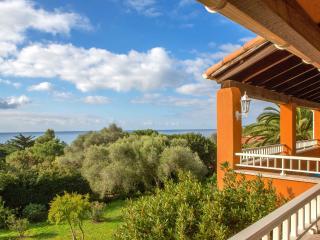 Belle villa avec jardin près de la plage, Olmeto