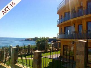 Apartments 45m2, balcony with sea view, beach 5min