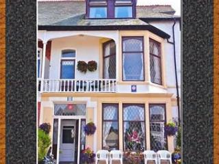 Chymes Select Holiday Flats, Sea Views, 2nd floor, Lytham St Anne's