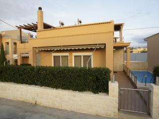 House Villa 2 Minutes From Kalamaki Beach Chania, Stalos