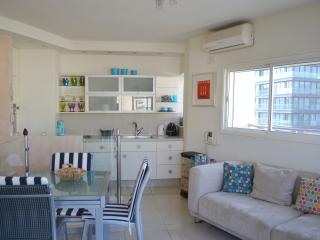 Duplex apartment - 5min from beach - Very central, Jaffa