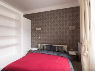 Stunning 1 Bed, with amazing City View #4, London