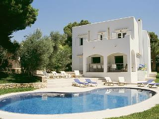 Large modern villa with private pool and garden, Cala d'Or