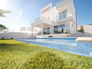 Stunning Villa in the Marina, Cala d'Or