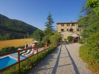 Farmhouse Villa in Quiet setting with Pool, Pierantonio