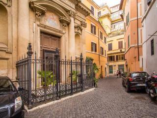 Your Pantheon Apartment AC/Wifi