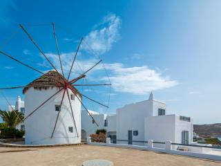 Traditional Mykonian Windmill, Mykonos-Stad