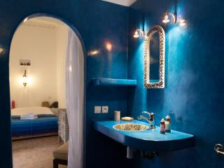 Beautiful Blue Room in DAR DAISY (ESSAOUIRA), Ghazoua