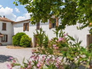 JUNE DEALS last weeks remaining. 3 Luxury gites heated pool sleeps 4 -12, Ferrals-les-Corbieres