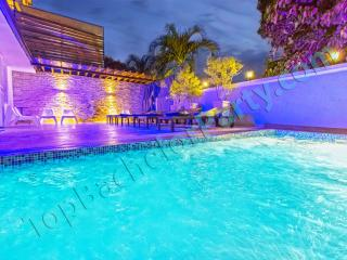 Luxury Bachelor Party Mansion, Terrace & Pool, Santo Domingo