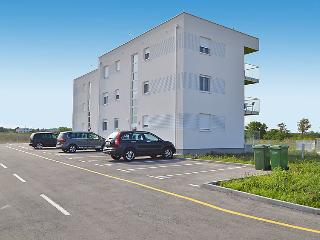 Apartments Juhart 1.3., Nin