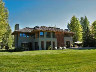 Stunning & Stylish Golf Course Home - Guest Access to Elkhorn Member Center (1164), Sun Valley