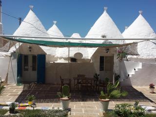 B&B Trullo Nicolo, cone house in Apulia (Italy)