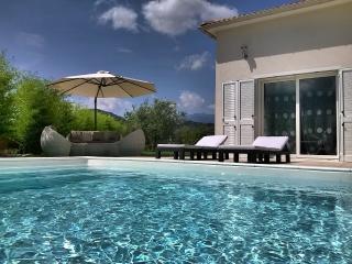 Villa Katia-piscine chauffée location en dimanche, Oletta