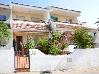 Ref 174.- Casa al lado de la playa con pkg, barbacoa y piscinas Acualandia