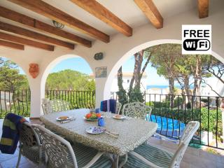 Family vacation villa for rentals in La Escala, L'Escala