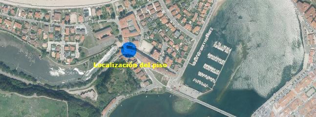 Excelente localización, en la calle principal de entrada a la playa de Santa Marina