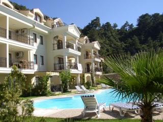 Four Bedroom 2 Storey Apartment, Turunc