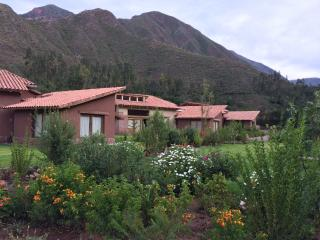 Cozy Cabin in Cusco's Sacred Valley - Urubamba