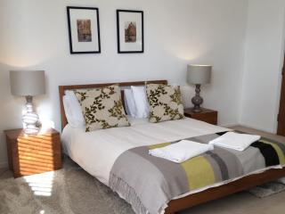 Sillwood groups Holiday  House