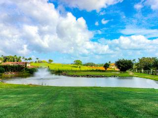 Pet-friendly condo with shared pools & free golf!, Panama City