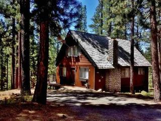Charming Chalet W/Hot Tub, Fireplace, South Lake Tahoe
