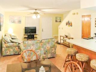 Close to the beach, pools, tennis, & more. Dog-friendly!, Panama City Beach