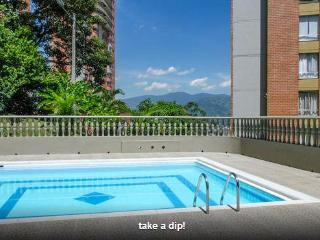 2bd/2ba Pool, Stunning Views -San Diego/Las Palmas, Medellin