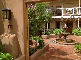 Architect's Space, Taos Plaza, 1-9 Guests
