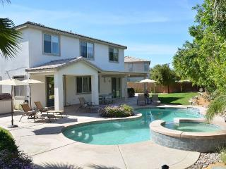 Casa Bella - 12 Beds - Sleeps 16, Indio