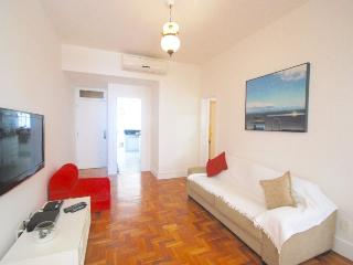 Modern 3 bedrooms apt in Arpoador, sleeps 8