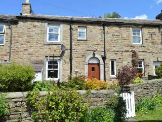 HILLWAYS stone-built cottage, village location, WiFi, pet-friendly, woodburning