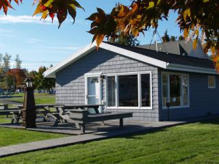 The Cottage at BackBay Marina