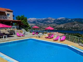 Kefalonia Island Premium Flat - Sleeps 2 / 4, Argostolion