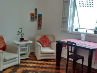 Amplo 3 quartos Leblon, 2 blocos da praia, Rio de Janeiro
