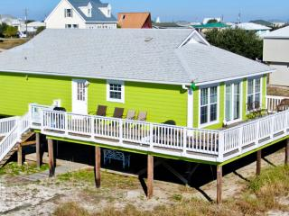 'Seafari'  Cozy Seaside Beach Cottage just a few houses back from the Gulf. Nicely furnished, Dauphin Island