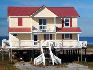 Bayfront Home on Sandy Beach with Private Pool, Dauphin Island