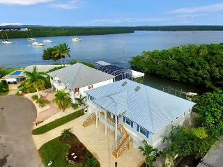 Villa Blue Heron I - WALK to the Beach-Boat from your Backyard!
