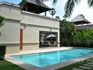 Cosy 3-Bed Pool Villa in Bangtao, Chalong