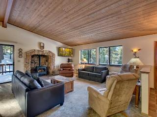 Well Appointed Home with Kids Playhouse and Private Hot Tub (MY77), South Lake Tahoe