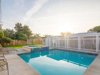 $449 Special Offer! Big & Beautiful 5-Bedrooms/3-Baths/Poo/Spa Near Disneyland and Convention Center & Beaches, Anaheim
