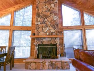 PineTime LUXURY Cabin in Rim Country Tonto National Forest in Pine, AZ sleeps 8*