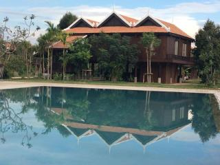 King Suite (Pteas Khmer) @ Phum Khmer Angkor, Siem Reap