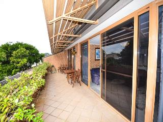TERRACE 2  Close to cafes, Avoca Beach