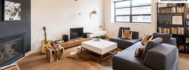 1-Bedroom duplex in Mile-Ex, Montreal